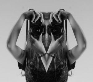 BriefingMilano-macchina-fotografica-girl-nikon-photography